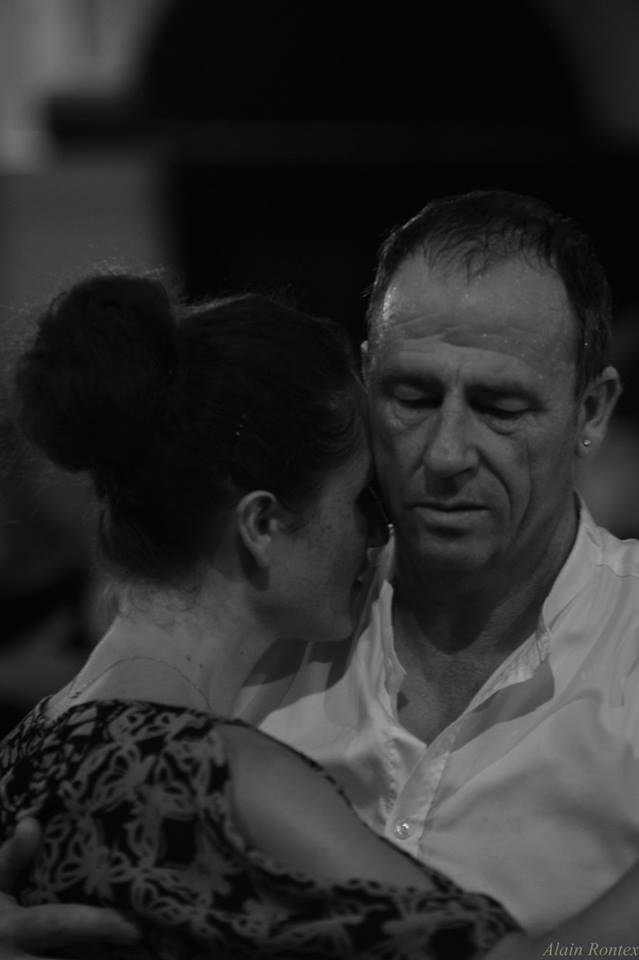 tango argentin danse association élégance impertinence rébellion amour enlacement émotion partage improvisation créativité joie plaisir rencontre traditionnel chic glamour luxe amour plaisir sexe tendresse douceur, séduction